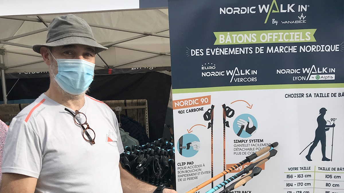 Pascal Guidetti présente ses bâtons à l'Euro Nordic Walkin Vercors 2020