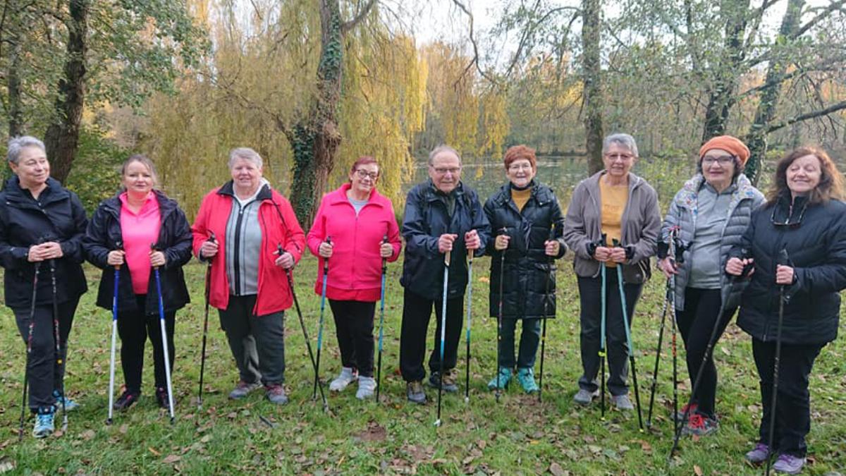 Mireille, 2ème à partir de la droite avec le groupe santé du club ECLA d'Albi